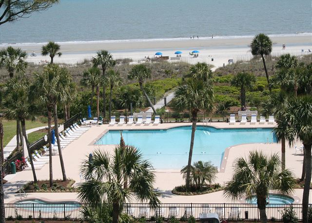 Shorewood 203 - Oceanfront Pool is Heated in Oct, Nov, Mar & Apr - HiltonHeadRentals.com