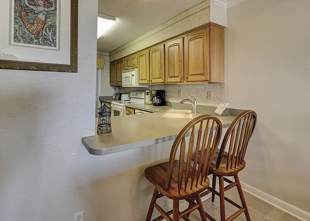 Shorewood 308 - Breakfast Bar - HiltonHeadRentals.com