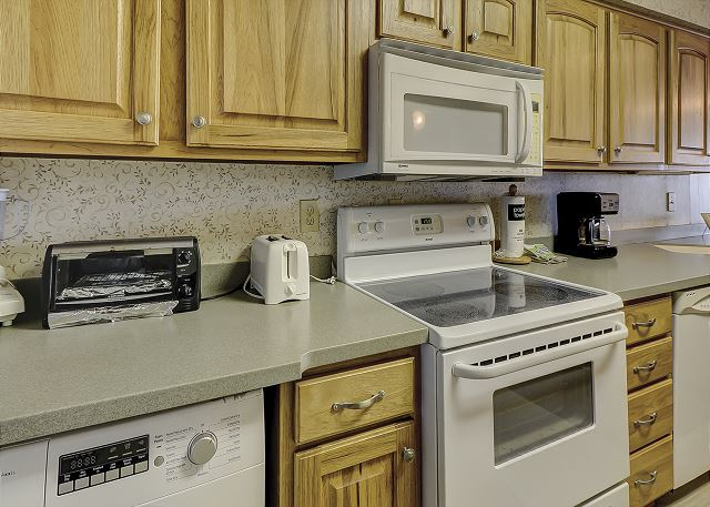 Shorewood 308 - Kitchen - HiltonHeadRentals.com