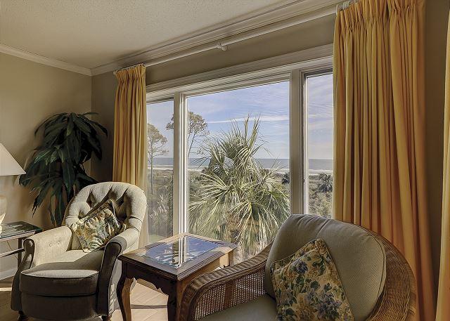 Shorewood 308 - Living Room - HiltonHeadRentals.com