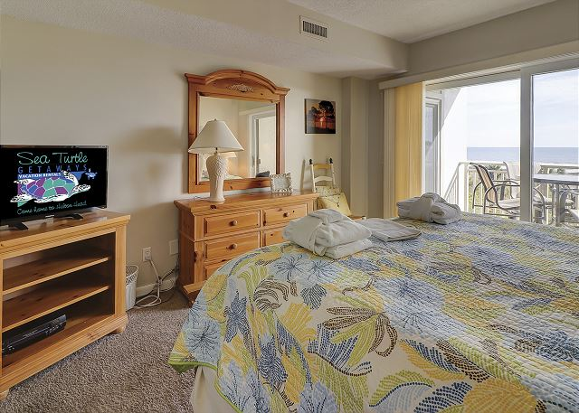 Shorewood 308 - Master Bedroom Flat Screen TV - HiltonHeadRentals.com