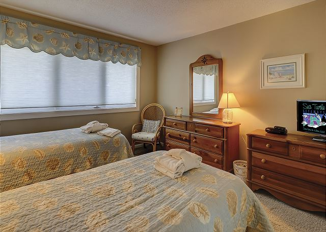 Shorewood 308 - Bedroom 2 Flat Screen TV - HiltonHeadRentals.com