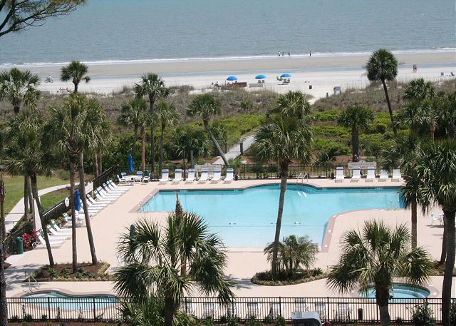 Shorewood 310 - Oceanfront Pool is heated Mar, Apr, Oct & Nov - HiltonHeadRentals.com
