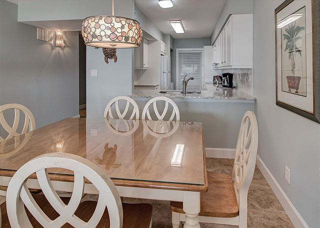 Shorewood 310 - Dining Room - HiltonHeadRentals.com