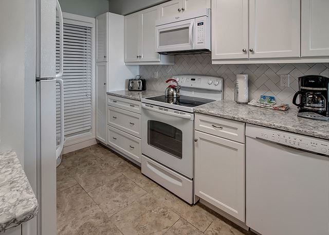 Shorewood 310 - Kitchen - HiltonHeadRentals.com