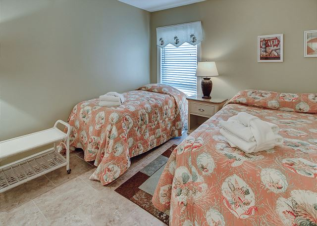 Shorewood 310 - Bedroom 2 with Queen & Twin bed and Flat Screen TV - HiltonHeadRentals.com