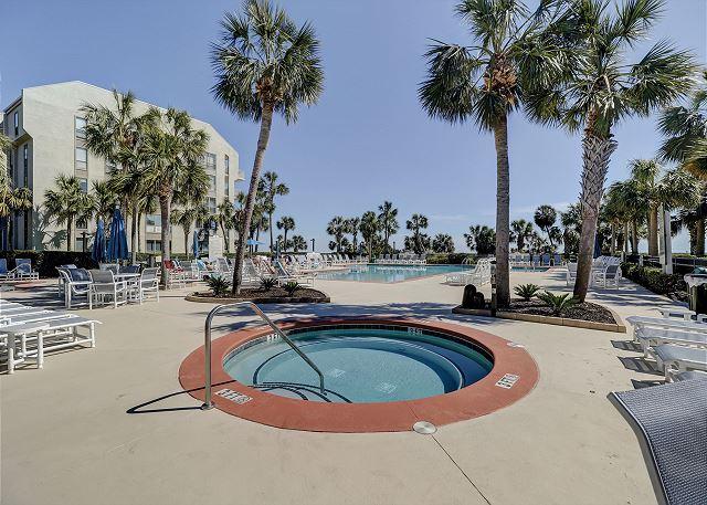 Shorewood 310 - Poolside Spa - HiltonHeadRentals.com