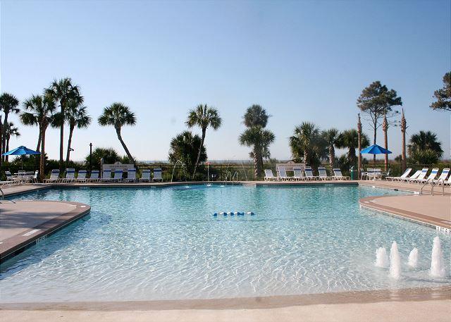 Shorewood 433 - Zero Entry Oceanfront Pool - HiltonHeadRentals.com