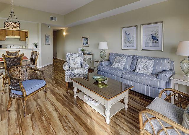 Shorewood 539 - Living Room - HiltonHeadRentals.com