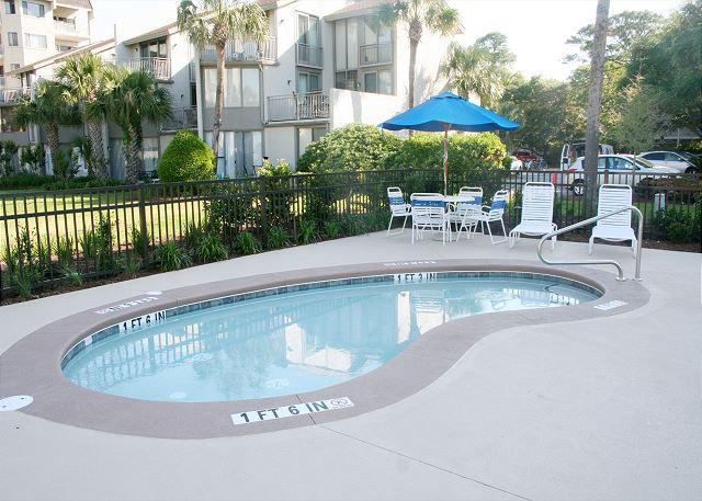 Shorewood 539 - Poolside Baby Pool - HiltonHeadRentals.com
