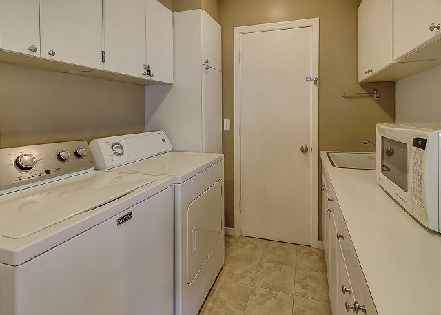 Water Oak 33 - Laundry Room - HiltonHeadRentals.com