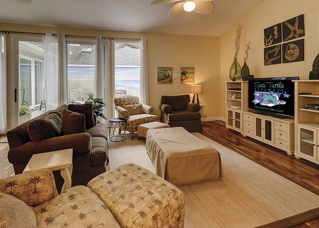 Water Oak 33 - Living Room - HiltonHeadRentals.com