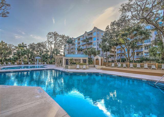 Windsor Place 107 - Large Sunny Oceanfront Pool & Baby Pool - HiltonHeadRentals.com