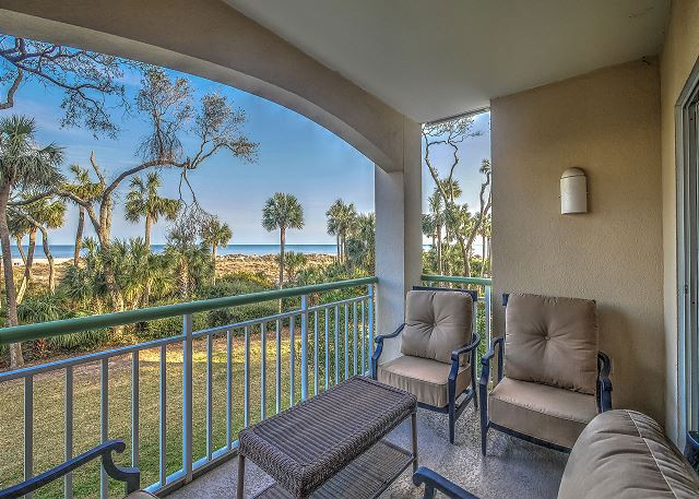 Windsor Place 108 - Master Suite Private Balcony - HiltonHeadRentals.com