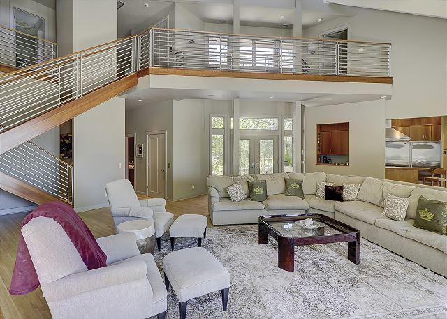 Duck Hawk 22 - Spacious Oceanfront Living Room - HiltonHeadRentals.com