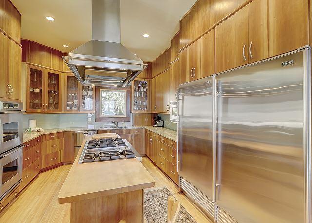Duck Hawk 22 - Fully Equipped Kitchen - HiltonHeadRentals.com