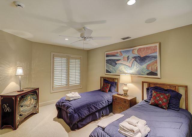 Duck Hawk 22 - Bedroom 5 with Twin beds & Shared Bath - HiltonHeadRentals.com