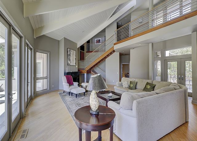 Duck Hawk 22 - Living Room - HiltonHeadRentals.com