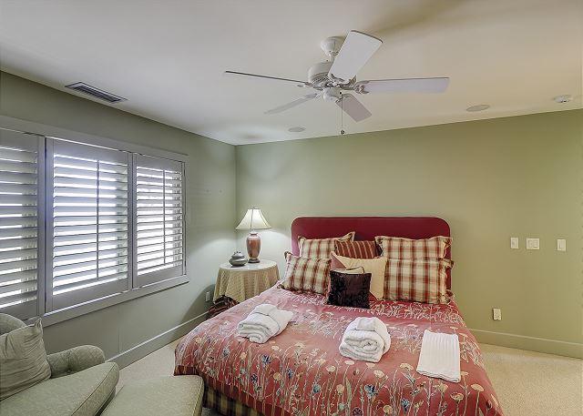Duck Hawk 22 - Oceanfront Bedroom 2 with King bed & Private Bath - HiltonHeadRentals.com