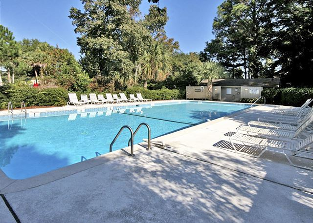 Night Heron 34 - Poolside Restrooms - HiltonHeadRentals.com