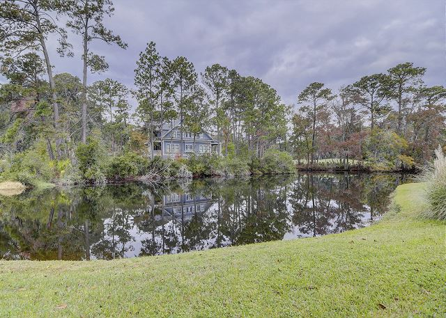 Enjoy the Tranquil Lagoon in your Backyard!