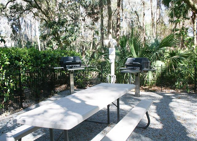 Colonnade Club 196 - Grilling Area for Guests use - HiltonHeadRentals.com