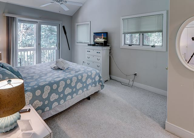 Bedroom 3 with King bed, Flat Screen TV & Shared Bath