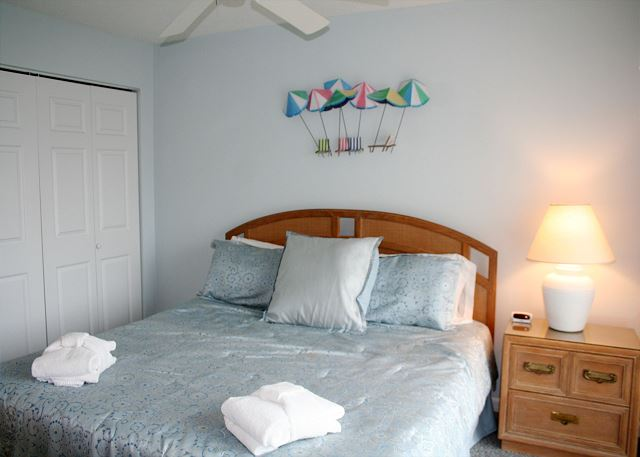 Oceanfront Master Bedroom with King bed, Flat Screen TV & Privat