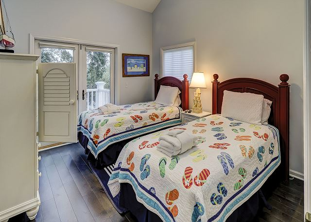Bedroom 5 with Twin Beds, Flat Screen TV & Hall Bath