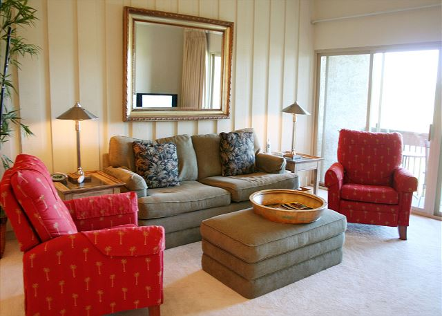 Bluff Villas 1817 - Living Room with Flat Screen TV - HiltonHeadRentals.com