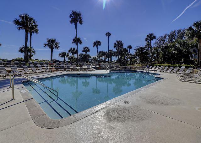 Oceanfront Pool measures 22' x 50'