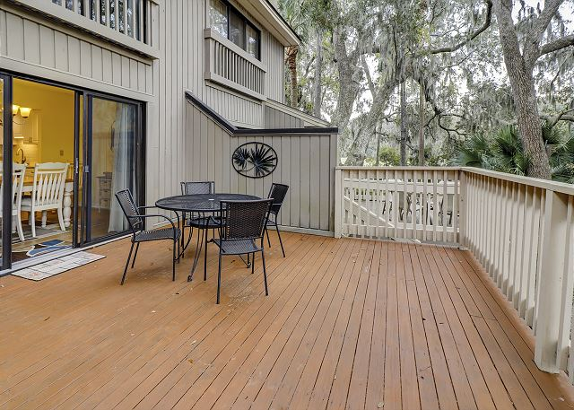 Beachwalk 204 - Spacious Deck with Landscape Views - HiltonHeadRentals.com