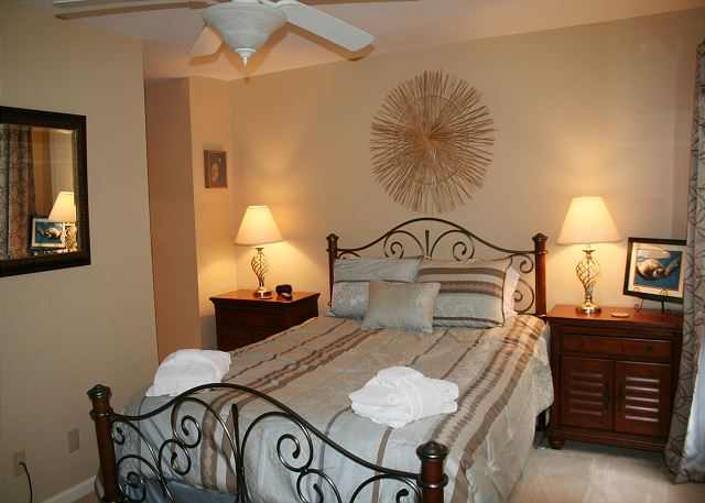 Evian 240 - Bedroom 2 with Queen bed, Flat Screen TV & Private Bath - HiltonHeadRentals.com