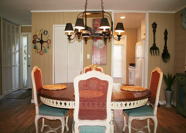 Fairway Lane 71 - Dining Room - HiltonHeadRentals.com