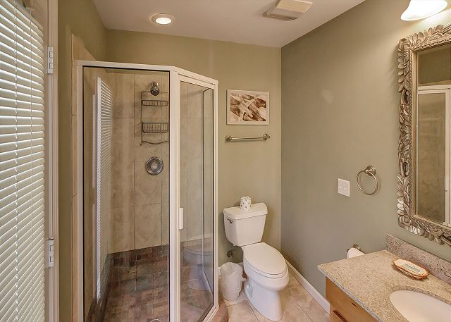 Cottage Bath with Shower