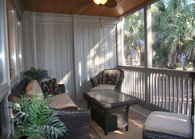 Spacious Screen Porch