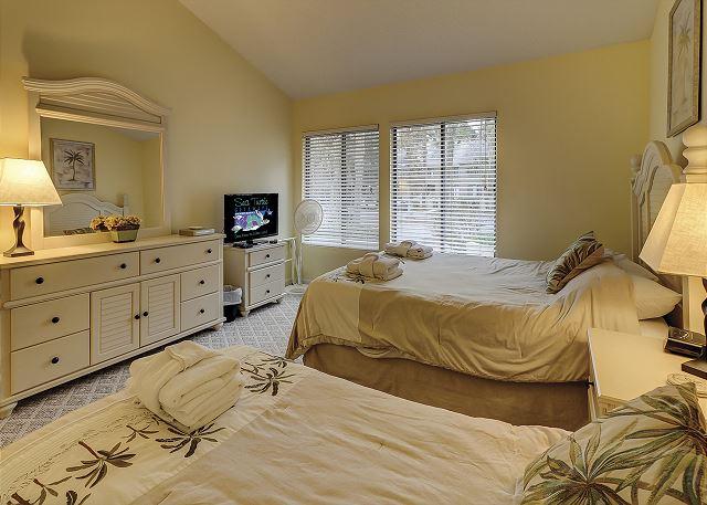Beachwalk 204 - Bedroom 2 Flat Screen TV - HiltonHeadRentals.com