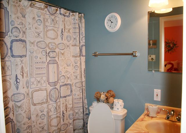 Fairway Lane 71 - Bedroom 2 Private Bath with Tub Shower Combo - HiltonHeadRentals.com