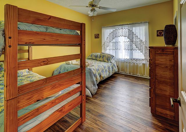 Bedroom 3 Bunk bed & Twin bed plus Private Bath