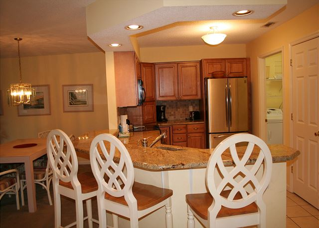 Colonnade Club 196 - Breakfast Bar - HiltonHeadRentals.com