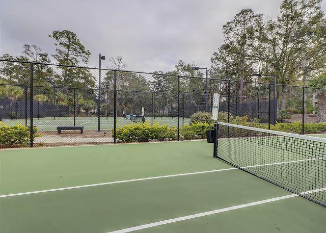 Evian 240 - Enjoy the 6 FREE onsite Tennis Courts - HiltonHeadRentals.com