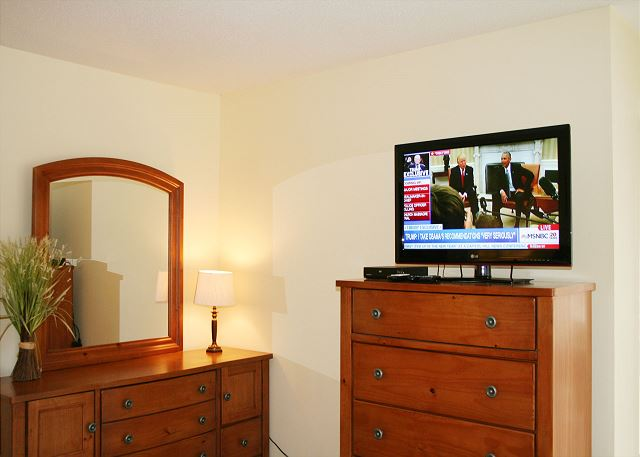 Beachwalk 204 - Master Bedroom Flat Screen TV - HiltonHeadRentals.com