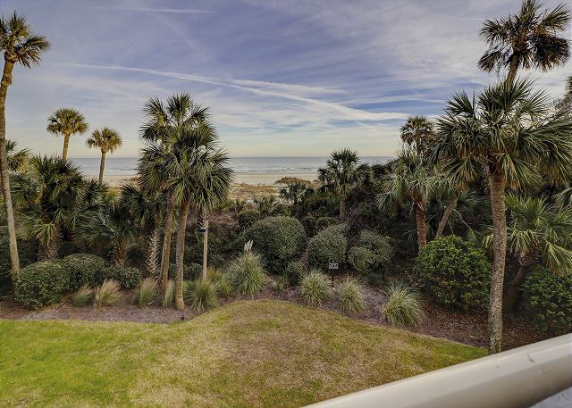 Enjoy the fabulous Oceanfront Views!