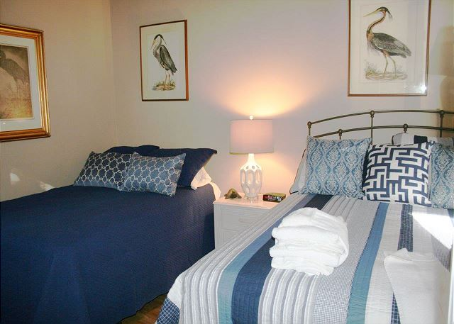 Bedroom 2 with Queen & Double bed, Flat Screen TV & Shared Bath