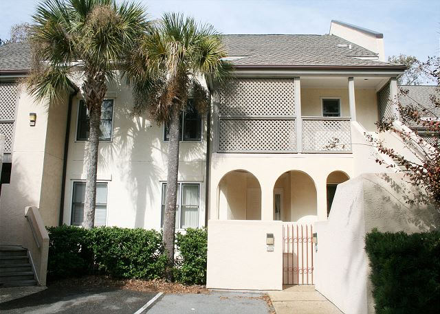 Colonnade Club 196 - Colonnade Club Villas - HiltonHeadRentals.com