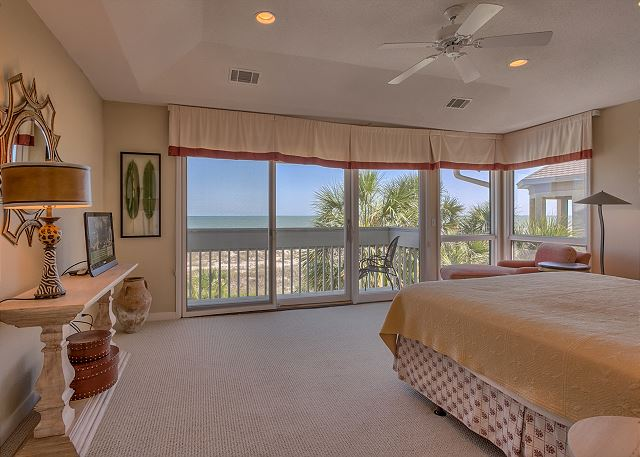 Master Suite with Private Oceanfront Balcony