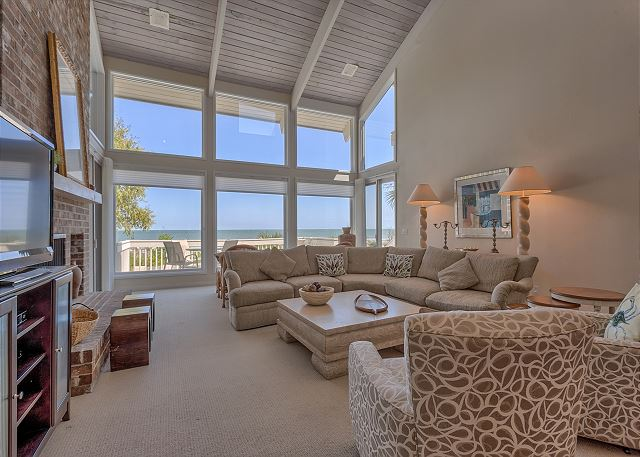 Spacious Oceanfront Living Room with Flat Screen TV