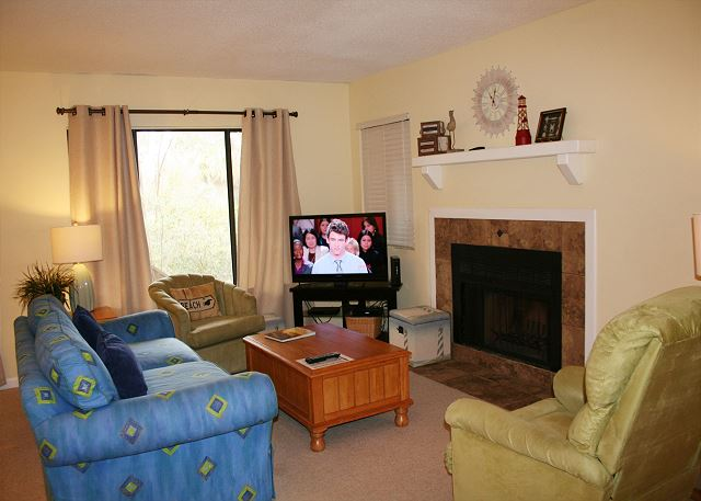 Beachwalk 204 - Living Room - HiltonHeadRentals.com