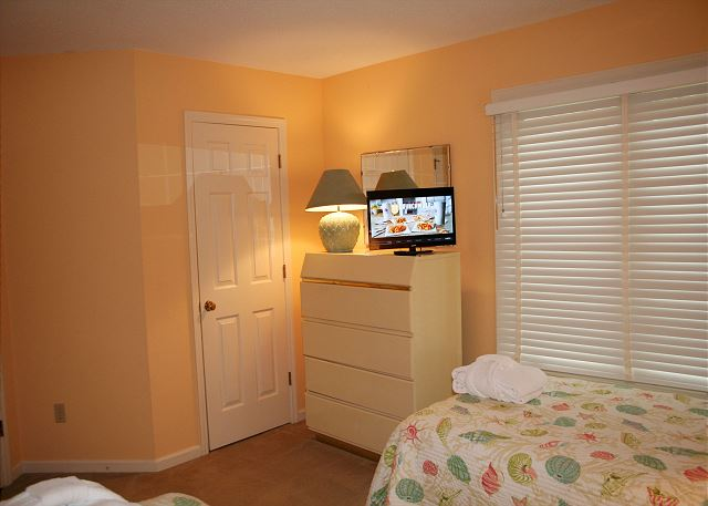 Colonnade Club 196 - Bedroom 3 Flat Screen TV - HiltonHeadRentals.com