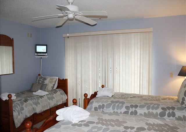 Bedroom 3 with 3 Twin beds & Private Bath